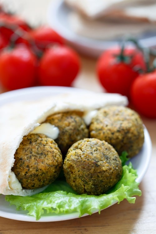 Baked Falafel Balls on http://www.theculinarylife.com