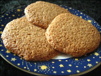 Light, Crispy Italian Hazelnut Cookies » Fearless Fresh