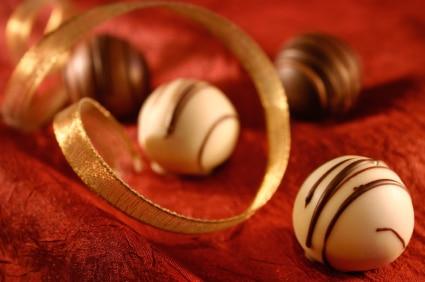 Basic Chocolate Truffles Recipe on http://www.theculinarylife.com