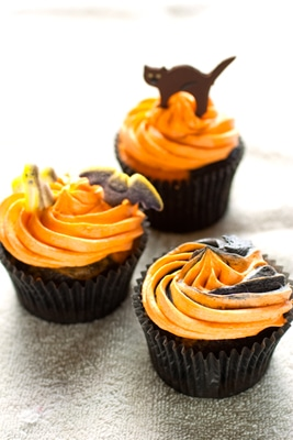 Ghoulishly Gluten Free Halloween Cupcakes on