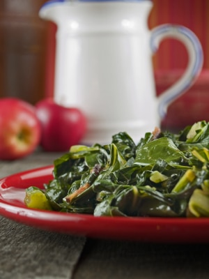 Vegan Collard Greens on https://www.fearlessfresh.com