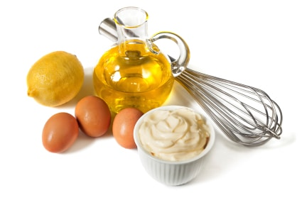 Mayonnaise Recipe - Curry Mayonnaise on http://www.theculinarylife.com