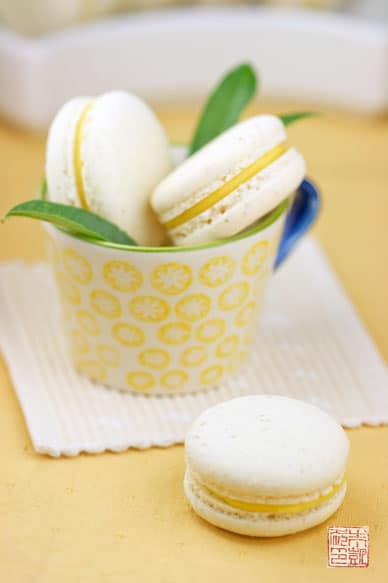 This lemon verbena French macaron recipe is pure gold. Cha-ching ...