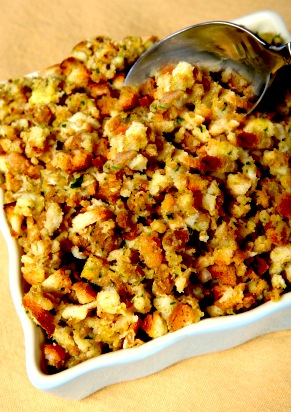 Vegan and Gluten Free Thanksgiving Stuffing Recipe on http://www.theculinarylife.com