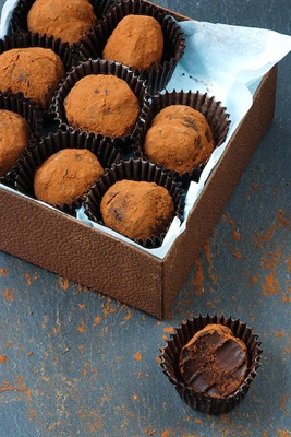 Vegan Truffle Recipe on http://www.theculinarylife.com