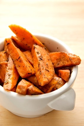 Baked Sweet Potato Fries Recipe on http://www.theculinarylife.com