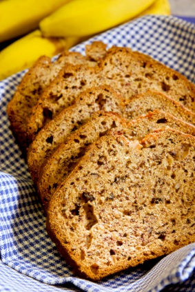 Light and Tender Sugar-Free Banana Bread Recipe on http://www.theculinarylife.com