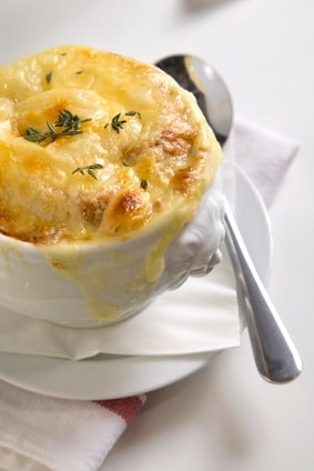 Traditional French Onion Soup on http://www.theculinarylife.com