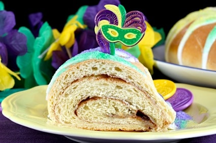 Mardi Gras King Cake Recipe on http://www.theculinarylife.com