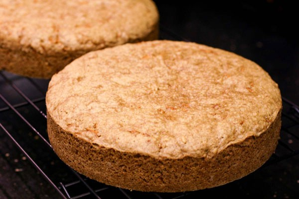 Carrot-Cake-Layers-Cooling