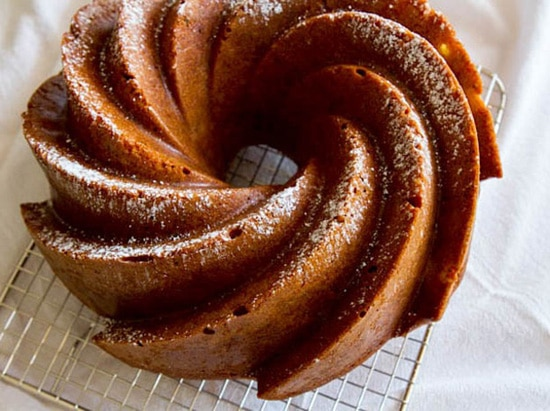 Cinnamon Apple Sour Cream Cake Recipe