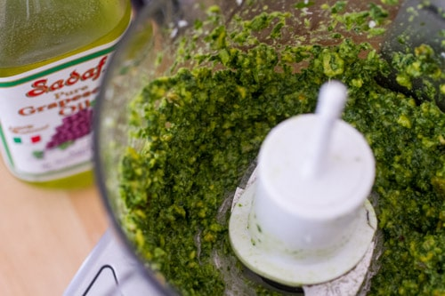 Refreshing Parsley Pistachio Pesto on http://www.theculinarylife.com