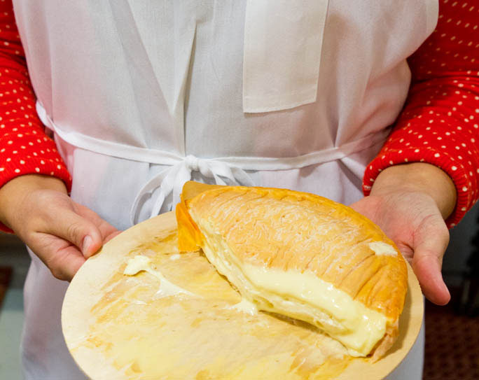 Smelly Cheese 101: Why Does Some Cheese Smell Bad? » FearlessFresh.com