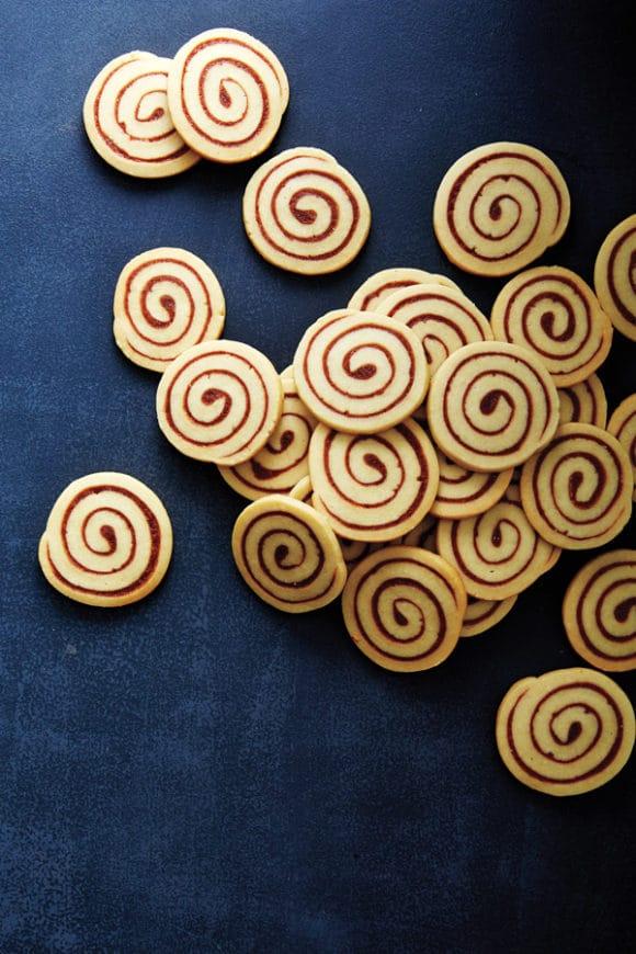 Swirly Cinnamon Honey Bun Cookies